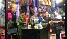 Thiếu nữ chém nhân viên bán hàng để cướp của giữa trung tâm Sài Gòn