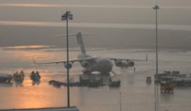 4 chuyên cơ của Tổng thống Mỹ hạ cánh tại Nội Bài