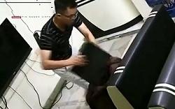 Trộm 'thư sinh' khoắng sạch cửa hàng game trong 2 phút
