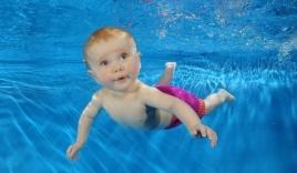 Dạy học bơi:  6 hướng dẫn quan trọng khi dạy trẻ tập bơi