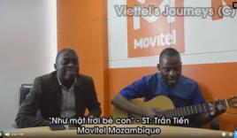 Chàng trai da màu vừa đàn vừa hát ca khúc Việt gây 'bão' dân mạng