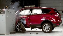 Ford Escape 2017 thử nghiệm đâm trực diện góc nhỏ