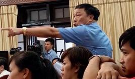 Bầu Đệ chỉ tay, mắng GĐ sở thông tin Thanh Hóa 'đừng có hỗn' giữa buổi họp báo
