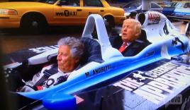 Tổng thống Trump 'chất chơi' lượn phố bằng xe đua F1