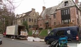 Video: Gia đình Obama chuyển đồ đạc về nhà mới