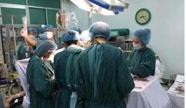Nhận báo động đỏ, bác sĩ 4 bệnh viện hợp sức cứu sản phụ vỡ tử cung