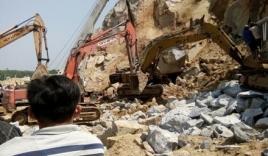 Nam công nhân lái máy đào chết thảm khi làm việc