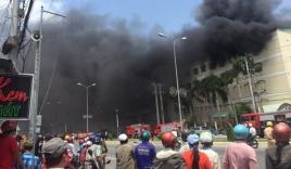 Cháy lớn tại công ty may, nghìn công nhân hoảng loạn bỏ chạy