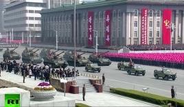 Triều Tiên duyệt binh rầm rộ, tuyên bố sẵn sàng huy động tổng lực đáp trả Mỹ