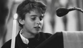 Chùm ảnh thời trai trẻ của tổng thống đắc cử Pháp