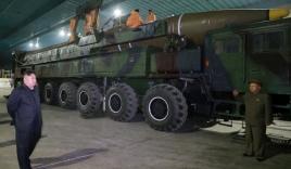 Triều Tiên có dấu hiệu chuyển ICBM đến bãi phóng trong đêm?