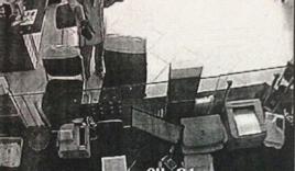 Vĩnh Long: Phát hiện túi xách, trang phục nghi của kẻ cướp ngân hàng
