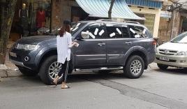 UBND phường xác minh việc cô gái dán băng vệ sinh quanh ôtô vì đỗ trước cửa hàng ở Hà Nội