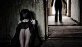 Nam thanh niên bị phạt 300.000 đồng vì hôn vào cổ một bé gái 13 tuổi
