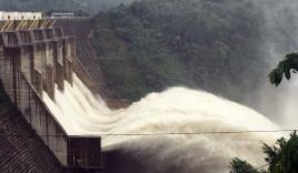 Quảng Nam: Yêu cầu thủy điện ngừng xả lũ khẩn cấp để giải cứu 15 người dân