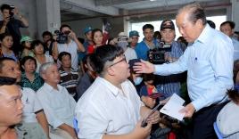 Cư dân chung cư Carina bật khóc kể khổ với Phó Thủ tướng