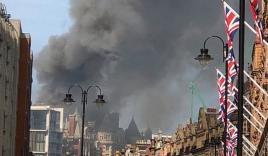 Hỏa hoạn tại trung tâm London: 120 nhân viên cứu hỏa được điều động để dập tắt đám cháy tại khách sạn Mandarin Oriental