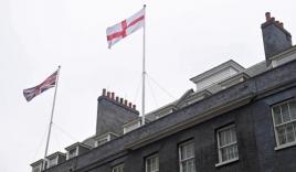 Ngoại trưởng Anh yêu cầu 151 đại sứ quán khắp thế giới treo cờ để cổ vũ cho đội nhà tại World Cup