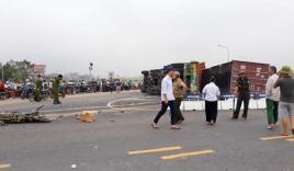 Vụ xe container lật nghiêng ở Hà Nội: Xác định danh tính hai mẹ con tử vong