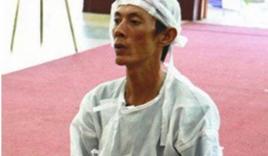 Ảnh hiếm hoi con trai thứ hai của cố nghệ sĩ Lê Bình trong đám tang