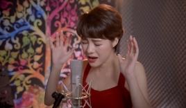 Uyên của 'Về nhà đi con' khoe giọng hát cực chất với bản cover 'Độ ta không độ nàng'