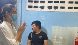 Sao Việt đến viếng bé trai vụ cây phượng bật gốc: Mong em bình yên, thanh thản