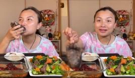 Quỳnh Trần JP khiến dân tình kinh hãi khi đăng tải clip ăn chân gấu
