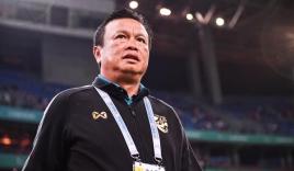 Thất bại ê chề tại King's Cup 2019, HLV Thái Lan bước lên 'đoạn đầu đài' trong hôm nay
