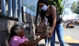Con gái trùm ma túy khét tiếng nhất Mexico đi viện trợ Covid-19