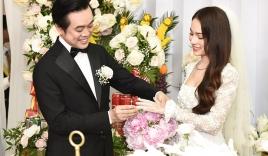 Dương Khắc Linh hạnh phúc trao nhẫn kim cương cho Ngọc Duyên trong ngày rước dâu