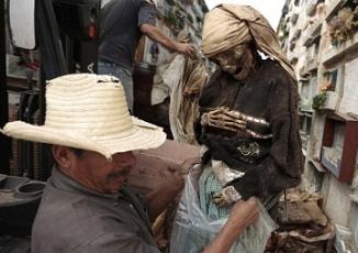 """Hàng trăm xác chết bị """"đuổi"""" ra khỏi mộ vì không đủ tiền thuê theo kỳ hạn"""