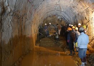 Sập hầm thủy điện 12 người mắc kẹt: Còn đào khoảng 15m hầm nữa là đến nơi bị sập (cập nhật)