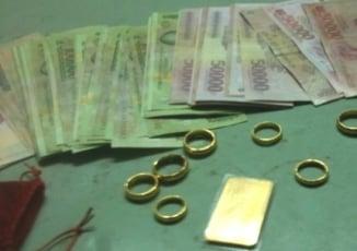 Băng trộm nhí đột nhập nhà dân cuỗm tiền, vàng để đi chơi game