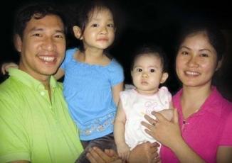 Giải trí - Hình ảnh hạnh phúc ít biết của Quang Thắng bên vợ con