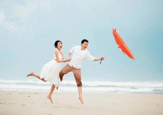 Giải trí - Lam Trường khoe ảnh ngọt ngào bên vợ sau 1 năm kết hôn