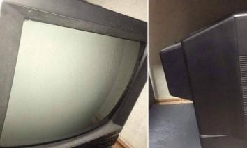 Cô gái khoe chiếc TV xài 15 năm mới 'lên đời', biết được lý do phía sau ai cũng phải xúc động