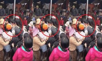 Nam thanh niên 'số hưởng' được hàng chục chị em phụ nữ vây quanh đòi ôm hôn ngay giữa chợ