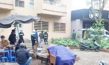 Hà Nội: Nữ sinh lớp 10 nghi trầm cảm, rơi từ tầng cao chung cư xuống mái tôn