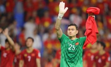 FIFA 'bật đèn xanh' để Đặng Văn Lâm sang Nhật Bản thi đấu