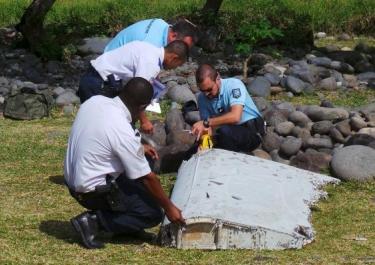 Pháp chính thức xác nhận mảnh vỡ trên đảo Reunion là của MH370