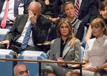 Lý do Chánh văn phòng Nhà Trắng ôm đầu khi Trump phát biểu tại LHQ