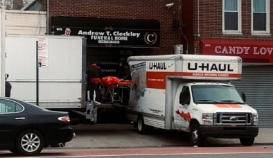 Mỹ: Phát hiện hàng chục thi thể đang phân hủy trên xe tải không lạnh