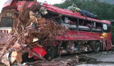 Lời kể kinh hoàng của lái xe sống sót sau vụ tai nạn 3 người chết ở Hòa Bình