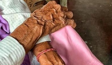 Sau cô gái mắc Covid-19, Ấn Độ lại chấn động về vụ cụ bà U90 bị 'làm bậy'