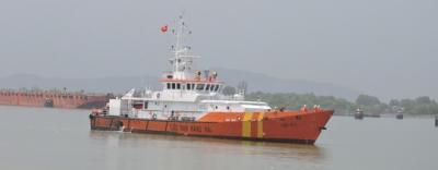 Chìm tàu cá, 8 ngư dân rơi xuống biển