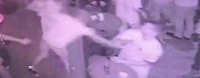 Sàm sỡ phụ nữ trong hộp đêm, khách Tây bị đâm thấu ngực