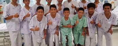 Đội bóng nhí Thái Lan ngày nào cũng đào hố tìm lối ra trước khi được cứu khỏi hang