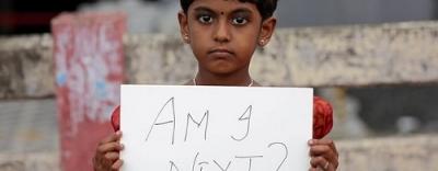 Hai kẻ cưỡng hiếp bé gái Ấn Độ bị kết án tử hình