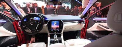 Sau màn ra mắt ấn tượng ở Paris, giá xe VinFast được cho là khó dưới mốc 1 tỷ đồng