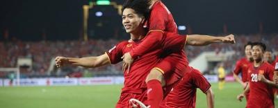 Đội bóng của Công Phượng, Văn Toàn lọt top 10 thế giới, bám đuổi gắt gao Real Madrid